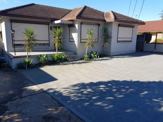 View profile: 3 bedrooms and Pet Friendly Home !!!