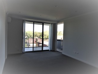 View profile: Modern Apartment - 5 Minutes Walk to Station