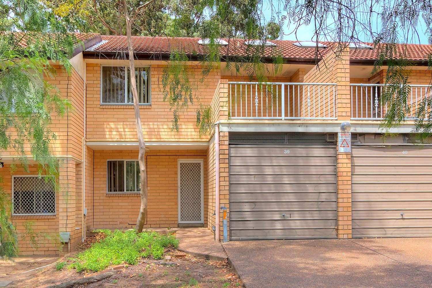 Lovely Refurbished 3 Bedroom Townhouse