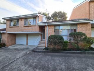 View profile: Large Townhouse, Excellent Location PLUS Double Garage