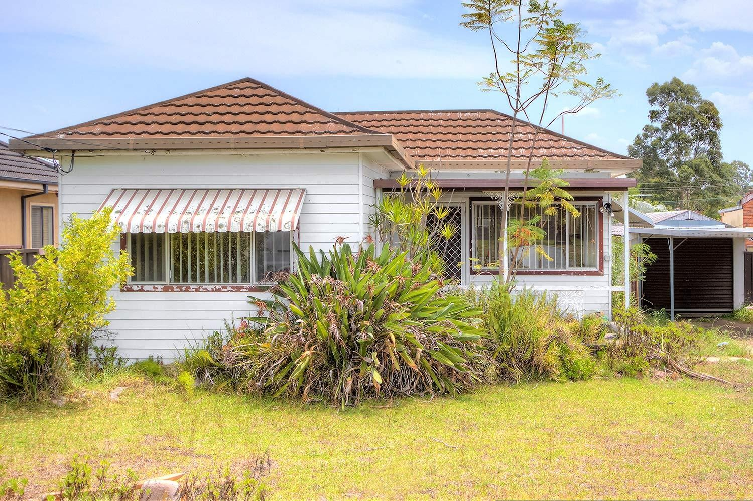Freshly painted two bedroom house in convenient location!