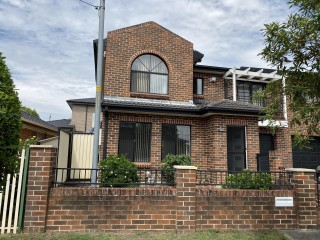 View profile: Fabulous duplex in the heart of Wentworthville and boasts location, security and convenience!