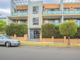 View profile: Perfectly located huge one bedroom unit with lock up garage!