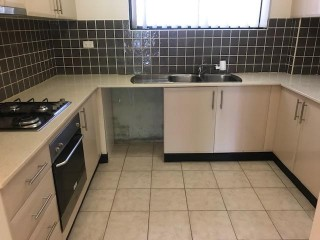 View profile: Lovely unit in convenient location.