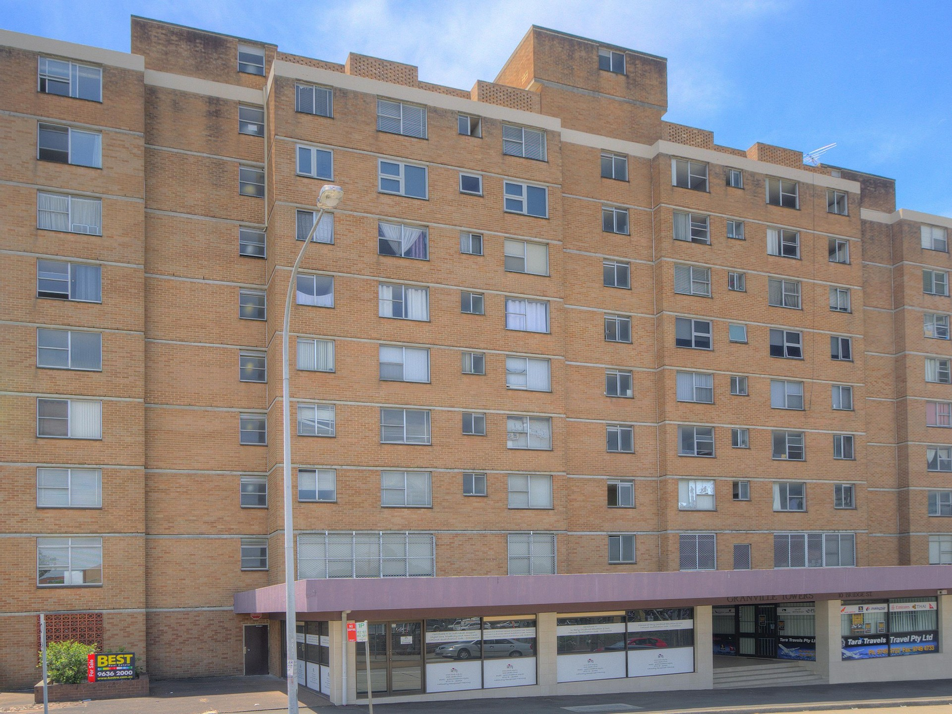 Cheapest Unit- Directly Opposite Station!