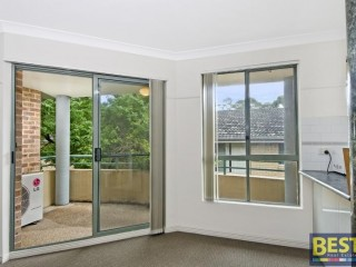 View profile: Spotless Modern Unit- Walk to Station!