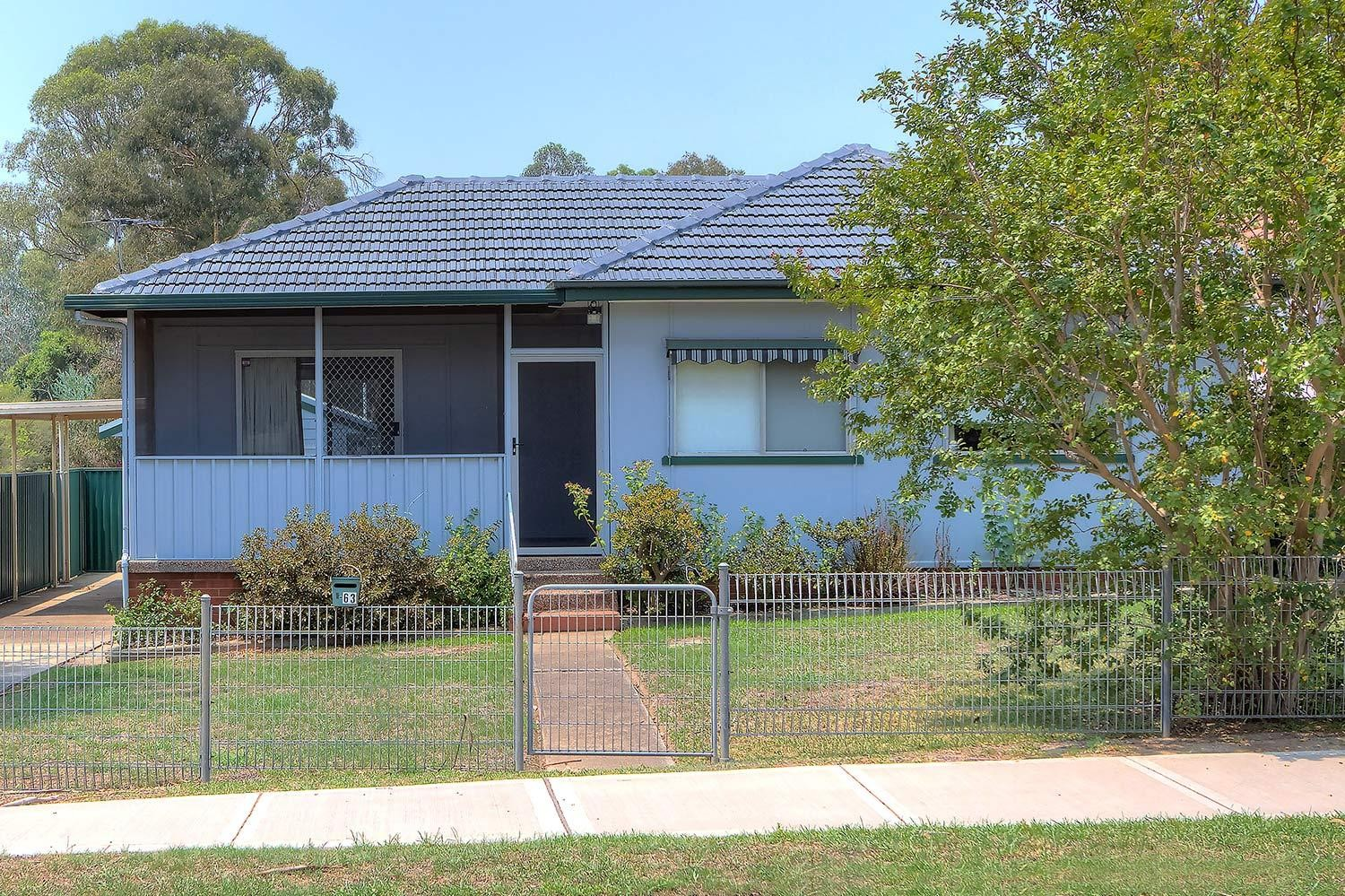 Outstanding Location-Minutes from Westmead Hospitals!!