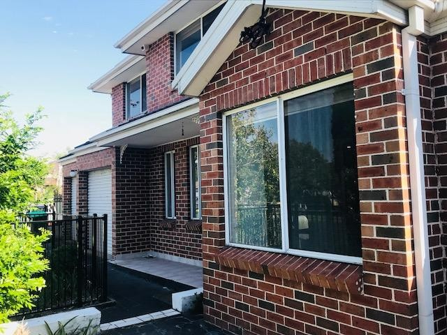 A Must to Inspect this Beautiful Brick 2 Storey Home!