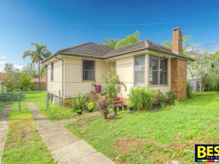 View profile: Walk to Station & Darcy Rd School!
