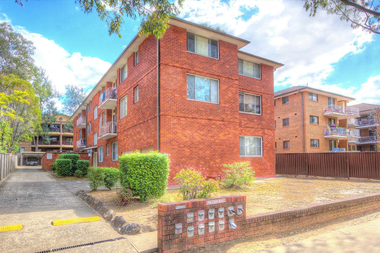 Fabulous spacious unit in the heart of Wentworthville - boasts location!