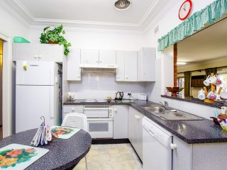View profile: Outstanding Location! 5 Minute Walk to Station!