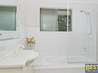 View profile: Massive 124sqm Modern Unit- Two Bathrooms