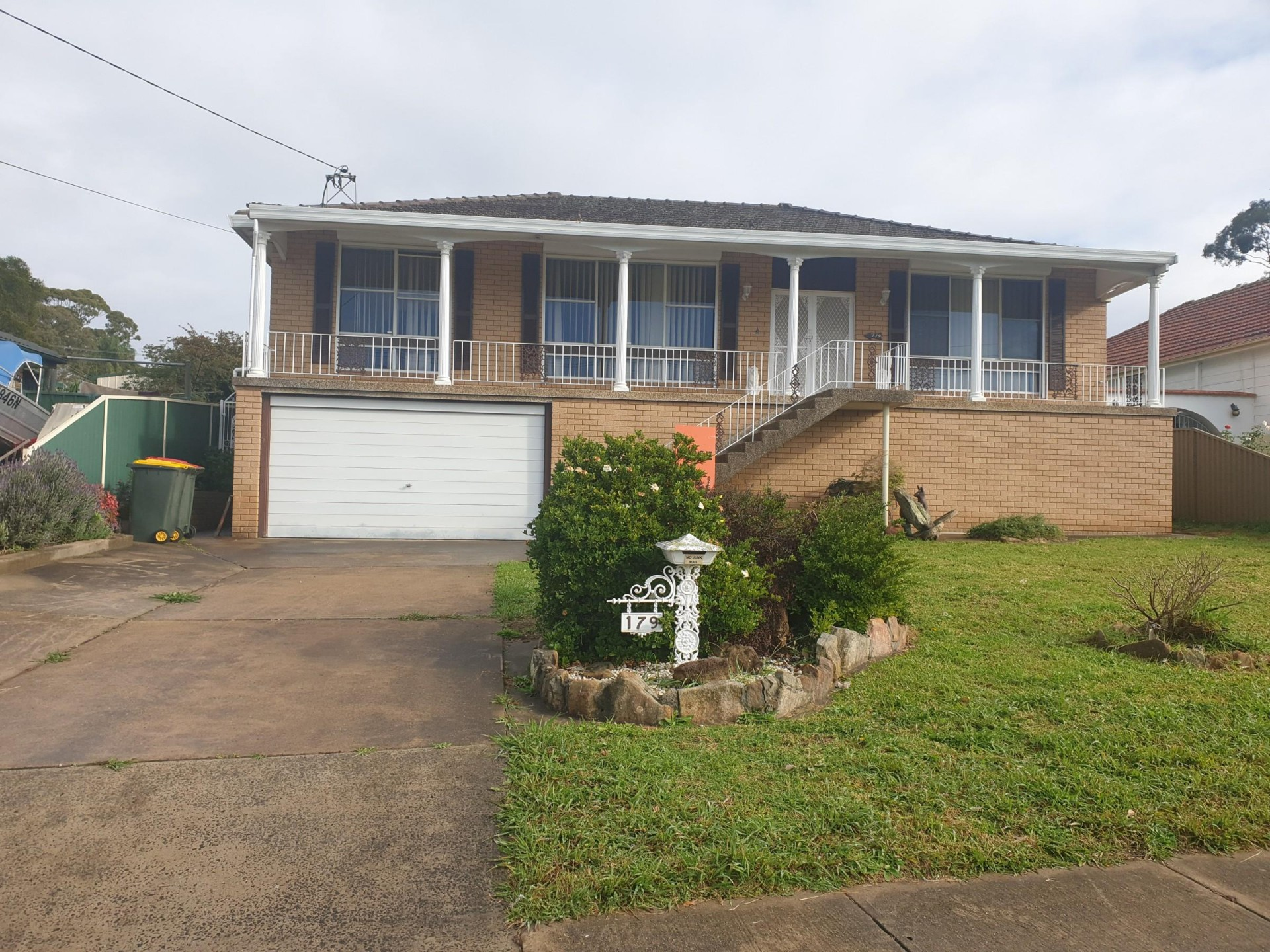 Spacious 4 Bedroom Family Home!! Must Inspect!!