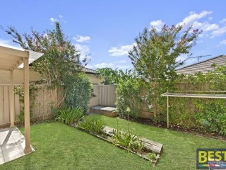 View profile: Stunning TORRENS Title Duplex in Outstanding Location!