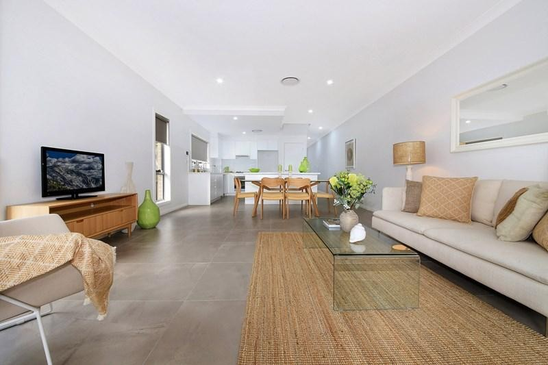 Quality Modern Home- 4 Bedrooms! 2 Bathrooms!