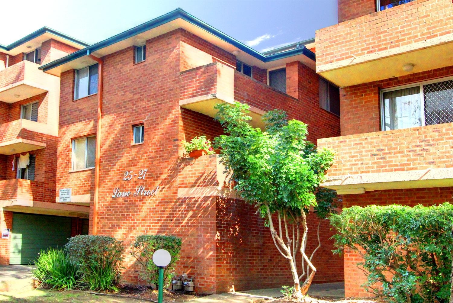 Renovated & Conveniently Located 3 Bedroom Unit