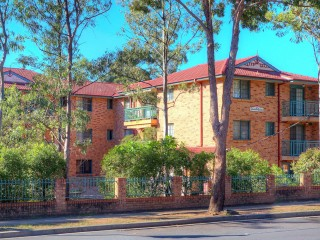View profile: 2 Bedrooms in Excellent Location - with Gas Cooking!