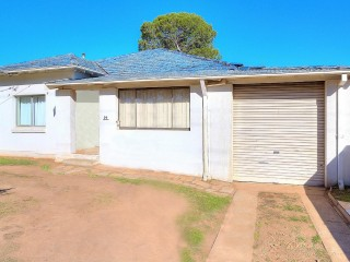 View profile: 3 bedroom home In the Heart of Wentworthville!