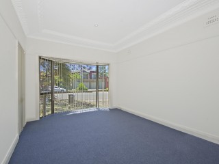 View profile: Walk to Station and Westmead Hospital. Newly Renovated!!