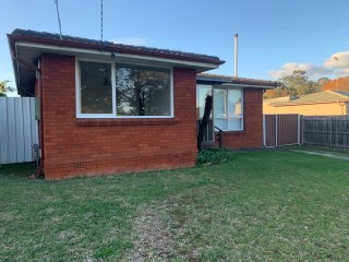 View profile: 3 Bedroom House with large backyard