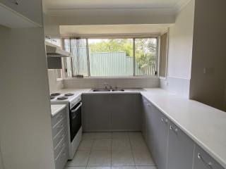 View profile: Great & Convenient Villa with new carpet!