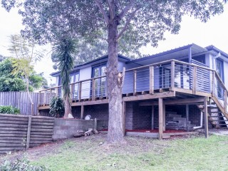 View profile: Renovated 3 Bedroom house in Ultra Convenient Location