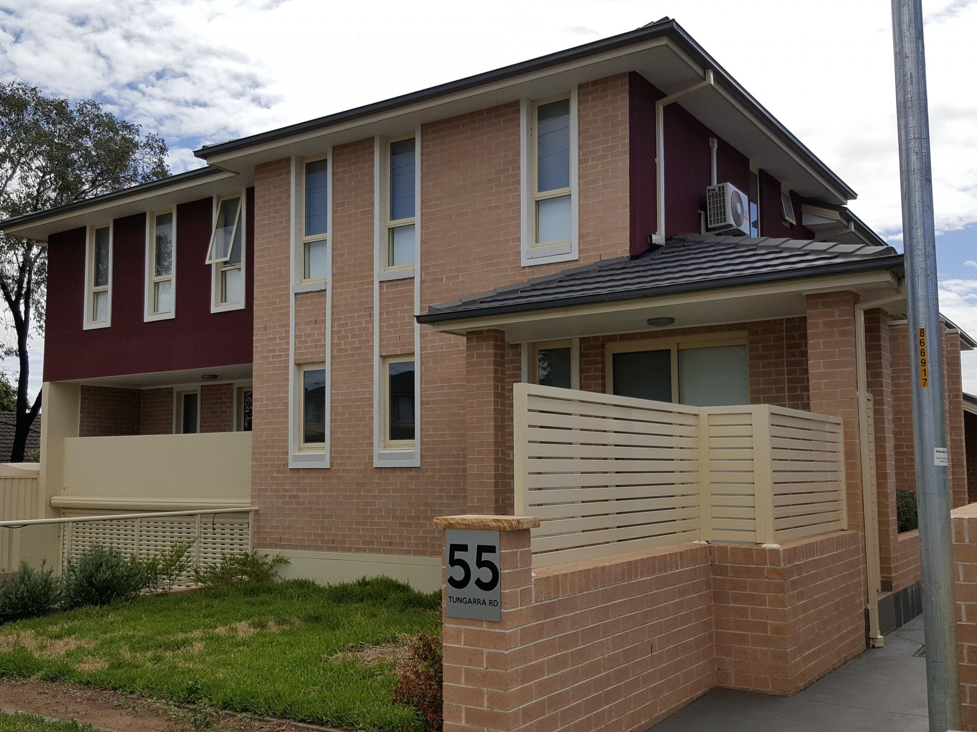 Brand New! Walk to Station 3 Bedrooms!