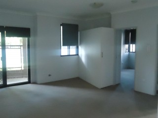 View profile: 5 Minutes to Station & Shopping Centre!