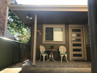 View profile: Granny Flat in Lovely Leafy Street!
