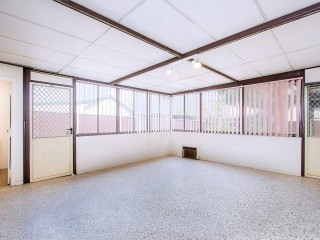 View profile: Outstanding Location! 10 Minute Walk to Station