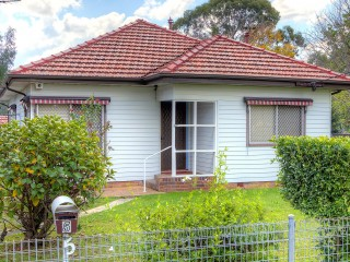 View profile: Walk to Station! Quiet Location! Garden & Lawns maintained in rent.