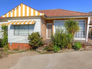 View profile: The Perfect Family Home! Walk to Station & Shops!