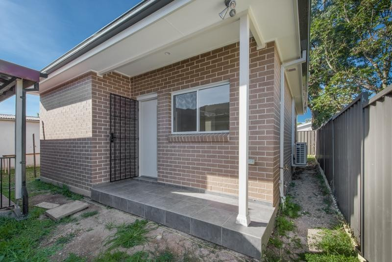 As New Granny Flat! 2 Bedrooms & Air Conditioning