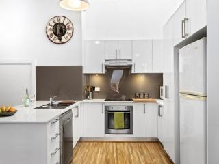 View profile: Modern, Air Conditioned & Spacious Brick-built split level villa !