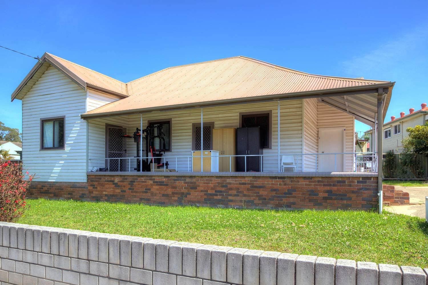 Great Investment! Two Rental Returns!!