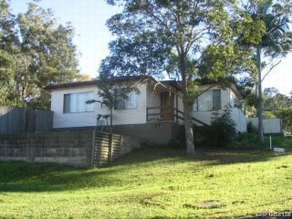 View profile: 3 Bedroom house in Ultra Convenient Location