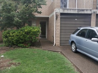 View profile: Walk to Station! 3 Bedroom Townhouse!