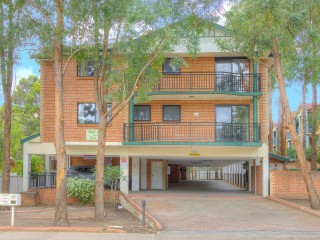 View profile: Excellent Location- Short Walk to Station & Shops!