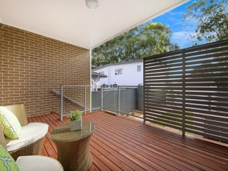 View profile: Quality Modern Home- 4 Bedrooms! 2 Bathrooms!