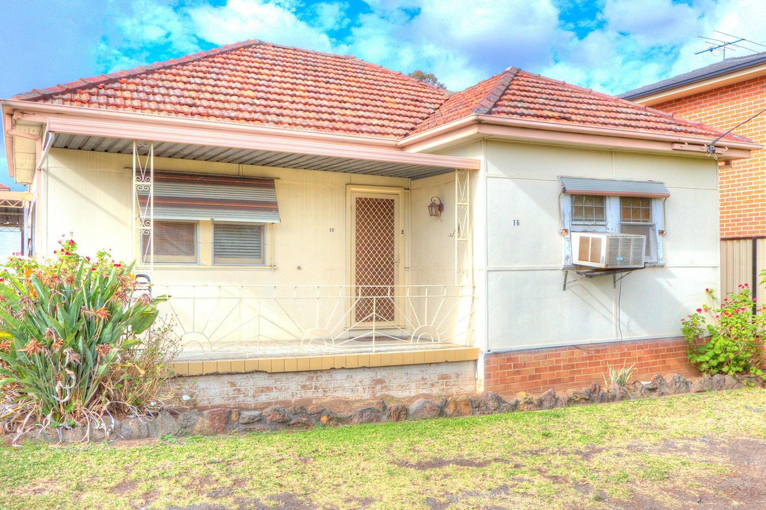 Great Investment! House & Granny Flat