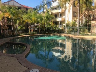 View profile: 3 Bedroom! Double Garage! Water Included! Plus Pool!