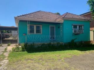 View profile: 3 Bedroom Home!! Water Included in Rent!