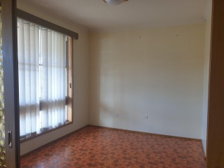 View profile: Spacious 4 Bedroom Family Home!! Must Inspect!!