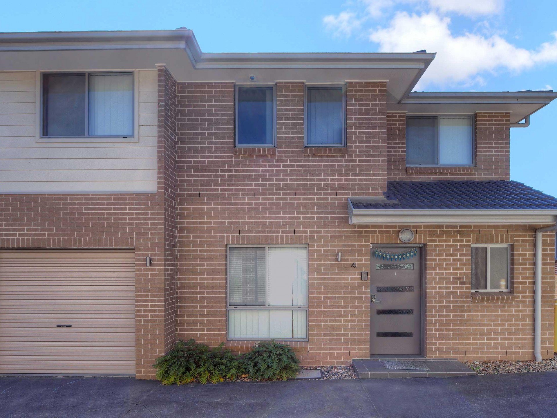 Ducted Air Conditioning & Large Open Plan Living