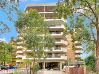 View profile: Minutes to Parramatta Westfields!