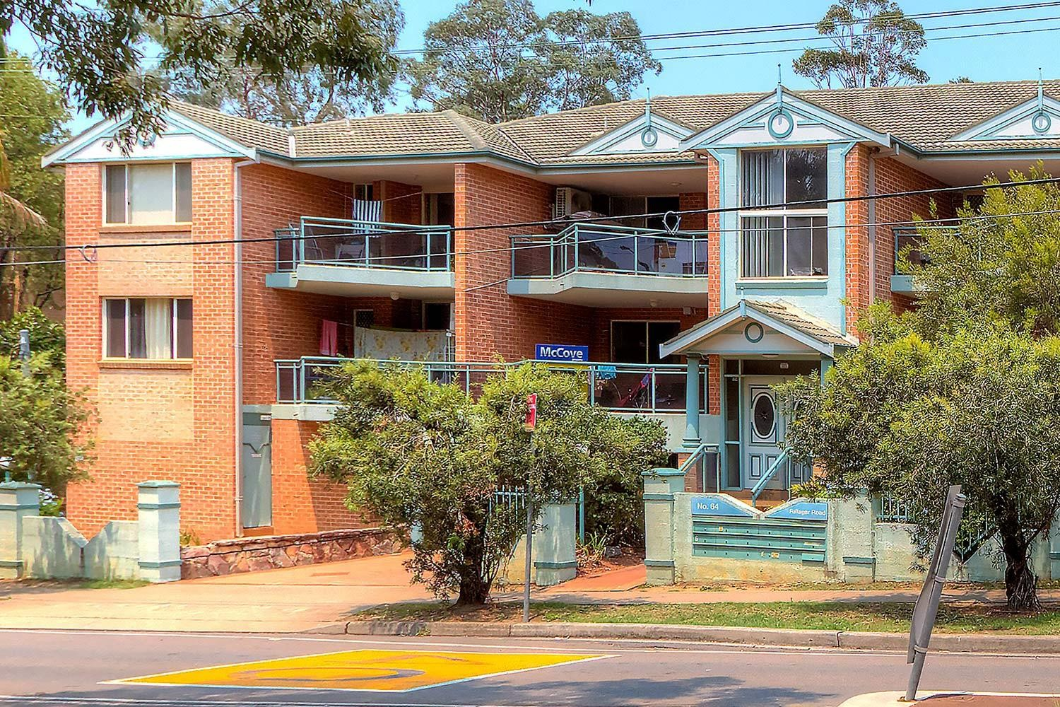 This delightful sun filled 2 bedroom security unit!