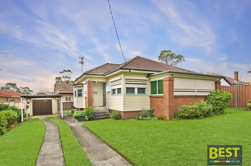 5 Minute Walk to Westmead Station!