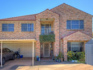 View profile: Huge Modern Home, 6 Beds, 3 baths & 875sqms Block!