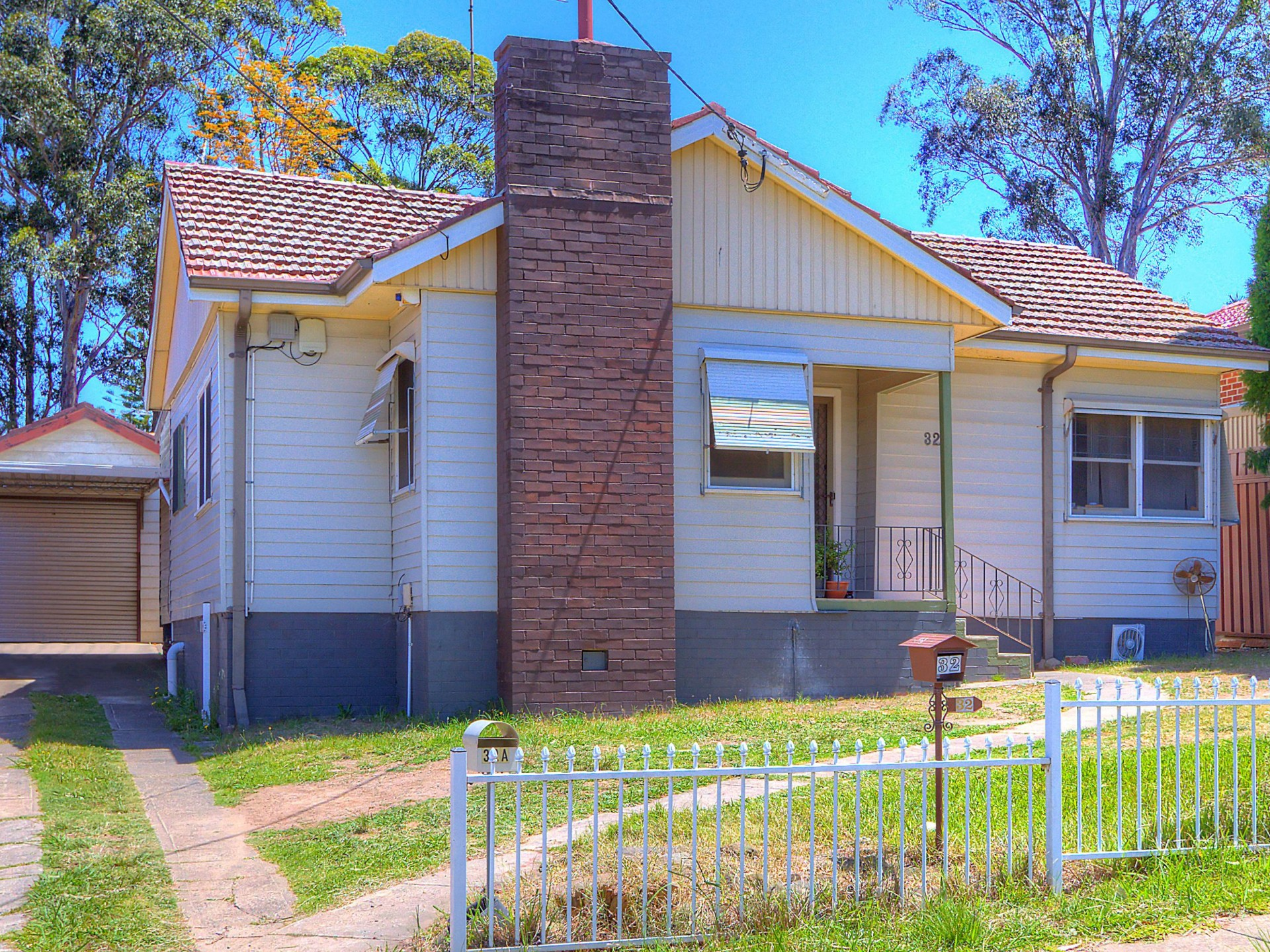 3 bedroom home and walk to station!