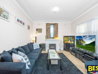 View profile: 5 Minutes Walk to Station! Huge Block!